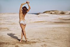 Desert Photography, Portrait Photography Poses, Artistic Photography, Boudoir Photography, Photography Ideas, Beach Boudoir, Beach Poses, Beach Shoot, Beach Babe