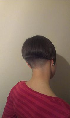 planetbuzzedgirls: lovely shaved nape by damenfreund on Flickr. lovely shaved nape Edgy Short Haircuts, Short Bob Hairstyles, Girl Hairstyles, Short Hair Back, Short Hair Cuts, Short Hair Styles, Shaved Nape, Wedge Hairstyles, Bowl Cut