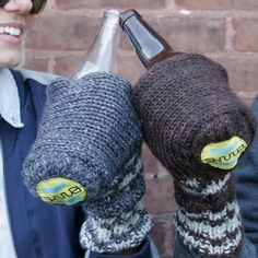 Jill you guys need these for ugly sweater...Le froid ne sera plus une excuse... via @Magazine Be
