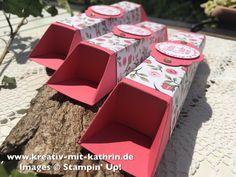Man benötigt hierzu: - ein Stück Cardstock für die Box mit den Maßen 19cm x 14cm - ein Dück Designpapier für die Banderole in den Maßen 13cm x 13cm - Stanzteile, Sprüche oder ähnliches für die Dekoration