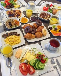 Planning A Perfect Breakfast Breakfast Platter, Breakfast Buffet, Breakfast Recipes, Hotel Breakfast, Birthday Breakfast For Husband, Healthy Desayunos, A Food, Food And Drink, Tumblr Food