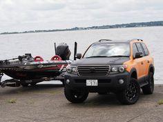 ランクル200 LINE-Xカスタムデモカー withバスプロ:橋本卓哉さん所有のバスボート(Bass Cat クーガーFTD) Toyota Landcruiser200 and Bass Boat