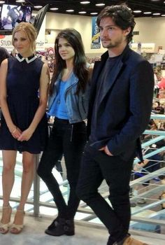 Eliza Taylor, Marie Avgeropoulos and Thomas McDonell #The100
