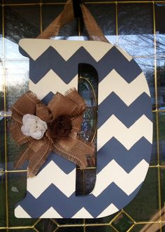 Beautiful ) Chevron Monogram Door Hanger with Burlap by CraftyCoutureCandace Diy Arts And Crafts, Crafts To Make, Wood Crafts, Chevron Monogram, Burlap Door Hangers, Letter A Crafts, Burlap Bows, Craft Night, Wood Letters