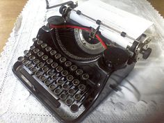 Portable typewriter Underwood  1936 made in by Traincasesandmore