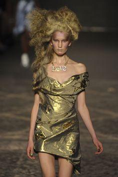 Vivienne Westwood Spring 2012  www.fashion.net