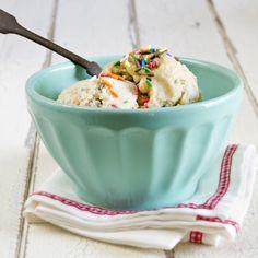 Perfect summer treat // Vegan Cake Batter Ice Cream from Munchin with Munchkin