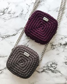 229 Likes, 41 Comments - veron Crochet t-shirt yarn Crochet bag Crochet backpack pattern inspiration / crochet bag from t-shir yarn Lots of different bag tutorial Crochet Backpack, Bag Crochet, Crochet Shell Stitch, Crochet Clutch, Crochet Diy, Crochet Handbags, Crochet Purses, Love Crochet, Crochet Ideas