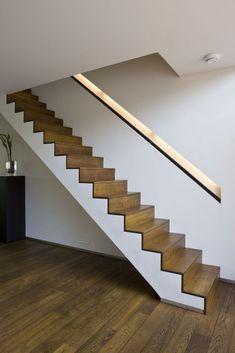 """Licht, ruim... en iets met water"" - Nieuwbouw - Ik Ga Bouwen Mobile Timber Handrail, Stair Handrail, Home Theater Room Design, Home Theater Rooms, Stair Railing Design, Home Stairs Design, Stairs In Living Room, House Stairs, Stair Walls"