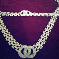 Superb necklace and bracelet set Silver link rhinestone Jewelry