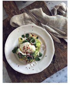 Avokadomacka med pocherat ägg