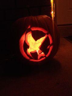 #Mockingjay pumpkin I FOUND WHAT IMMA GON TRY TO DO AND FAIL MISERABLY!