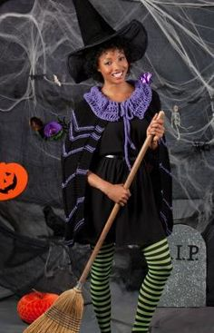 DIY Witch Costumes : Gothic Witch Cape Knitting Pattern