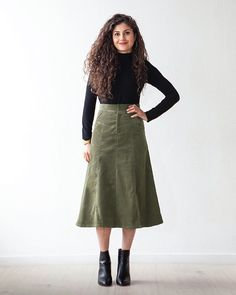 The Salida pattern is a skirt with two views. Each has a soft V-shaped yoke at the front and back, a high waist, and a front zipper fly. View A is a fitted, paneled skirt that hits at the top of t. Skirt Patterns Sewing, Clothing Patterns, Skirt Sewing, Gamine Style, Make Your Own Clothes, Lining Fabric, Woven Fabric, Blouse Dress, Skirt Outfits
