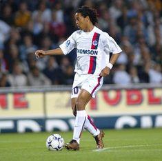 Football Is Life, World Football, Ronaldo, Ronaldinho Wallpapers, Paris Saint Germain Fc, Barcelona, The Magicians, Soccer, Lady
