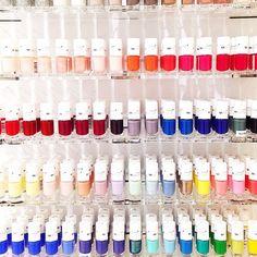 Lançons le débat du flacon à 2,99€ chez Monoprix: which one?  Vous avez 2h pour rendre votre copie.  #nail #beauty #monoprix