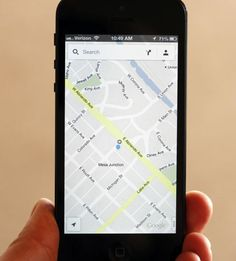 How to use Google Maps on iOS