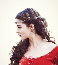 so pretty. << I love the fact that Clara gets so many historical outfits. Totally would be me if I was a companion :)