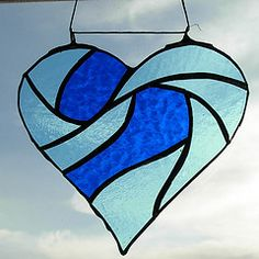 Simple stained glass window hearts in category Glass Stained Glass Suncatchers, Faux Stained Glass, Stained Glass Designs, Stained Glass Projects, Stained Glass Patterns, Stained Glass Windows, Mosaic Glass, Fused Glass, Steel Art