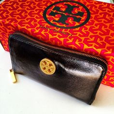 #wallet #gold #toryburch #pattern #colorful #style Web Instagram User » Followgram