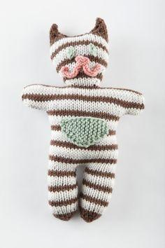 Free Knitting Pattern: Tiger Cat