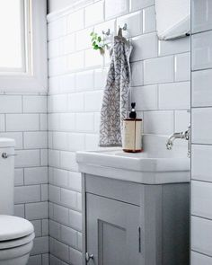 You may have considered this until today? Tiny Bathroom Renovation, You may have considered this until today? Bathroom Design Inspiration, Bathroom Inspo, Master Bathroom, Bathroom Ideas, Guest Toilet, Small Toilet, Restroom Design, Classic Bathroom, Nordic Home