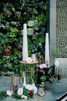 Mid Century Modern Wedding Decor with On Trend Geodes and Geometric Details | John Schnack Photography | http://heyweddinglady.com/succulents-sparkles-stripes-modern-socal-wedding/