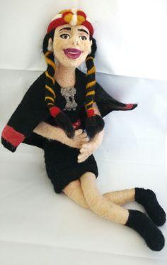 Celeste, joven mapuche #fieltro #doll #felting #felt #handmade