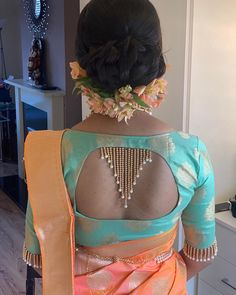 Blouse Back Neck Designs, Saree Kuchu Designs, Wedding Saree Blouse Designs, Simple Blouse Designs, Stylish Blouse Design, Fancy Blouse Designs, Latest Design Of Blouse, Sari Design, Choli Back Design