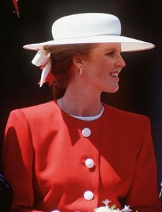 Posted on October 2013 by HatQueen. The Duchess of York (née Sarah Ferguson) celebrates her birthday today.Duchess of York in Toronto, July Sarah Duchess Of York, Duke And Duchess, Eugenie Of York, Princess Kate Middleton, Kate And Meghan, Sarah Ferguson, Duke Of York, Princess Beatrice, Popular People