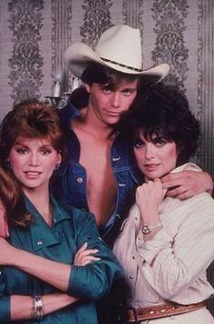 Dallas 1978: Original style-- oufits & makeup! Pamela Ewing, Sue Ellen, & Peter Richards (IMDB)