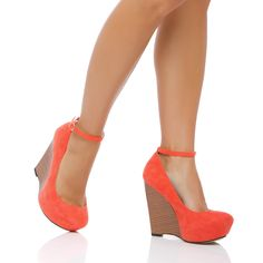 cute wedges! I have never worn wedges, but I might try to, these are so cute