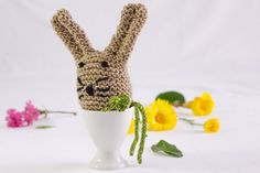 Knitted Easter Egg Cosy Egg Warmer Easter Egg Toy by heaventoseven keeps your eggs warm, and is a fun and cute part of your Easter table decor - plus i defy anyone to be in a cranky on a Monday morning if they have this on their breakfast table!