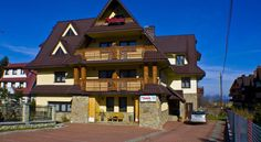 Willa 14 Zakopane Pensjonat Victoria is located in a quiet area of Zakopane and only a 20-minute walk from Krupowki, Zakopane's most popular street. It features air-conditioned rooms with a TV set and an electric kettle.