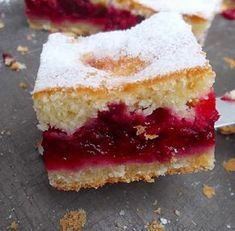 Lenja Pita sa jogurtom i Višnjama . with Yogurt and Cherries Fruit Recipes, Sweet Recipes, Baking Recipes, Cake Recipes, Dessert Recipes, Bosnian Recipes, Croatian Recipes, Rodjendanske Torte, Romanian Desserts