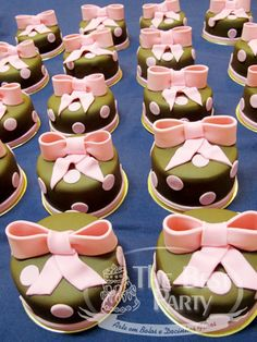 Mini Bolos Individual Wedding Cakes, Sugar, Cookies, Desserts, Food, Art Cakes, Sweets, Mini Pastries, Crack Crackers