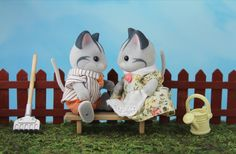 Sylvania Grove – Miniature toy photography of Sylvanian Families dioramas Toys Photography, Family Photography, Sylvanian Families, Miniatures, Pop, Dioramas, Popular, Pop Music, Family Pictures