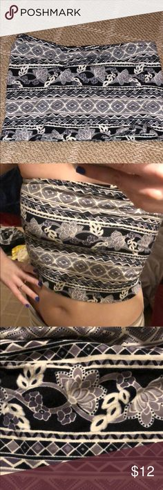 NWOT strapless patterned  coptop NWOT Adorable and comfortable strapless crop top with beautiful floral and abstract pattern. Black, purple, grey, white, designs. Adhesive band on upper edge to keep top in place. Forever 21 brand. Size S. Forever 21 Tops Crop Tops