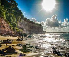 Praia da Pipa reúne diversas prainhas gostosas. Sair cedinho de Natal e passar um dia na Pipa, pelas praias, já dá vontade de querer voltar. Ir a Praia dos Afogados (do Amor) que fica distante uns 2 km do centrinho de Pipa.