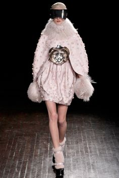 Alexander McQueen Fall 2012 Ready-to-Wear - Collection - Gallery - Style.com