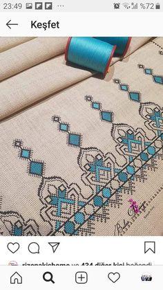 Cross Stitch Gallery, Cross Stitch Art, Cross Stitching, Cross Stitch Patterns, Flower Embroidery Designs, Embroidery Motifs, Cross Stitch Embroidery, Bow Pillows, Swedish Embroidery