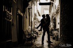 Engagement Shooting in the rain, kiss, kuss, shadow, liebe, silhouette, romantisch, retro, wedding, hochzeit, flower, love, couple, romantic, weddingphotography, hochzeitsfotografie, karlsruhe, durlach, stutensee