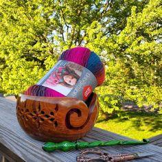 Wooden Lattice Yarn Bowl for Knitting Crochet Holderl with | Etsy Handmade Wooden, Handmade Items, Wooden Yarn Bowl, Yarn Storage, Hand Dyed Yarn, Crochet Accessories, Wood Blocks, Knit Crochet, Knitting