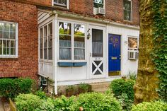 """Welcome Home Real Estate - https://www.topgoogle.com/listing/welcome-home-real-estate/ - """"I began my career in real estate as a licensed salesperson in Manhattan,"""" Amy FitzGerald reports. """"It's been the dream of a lifetime to run such a respected business in this beautiful, historic area. Having lived in Sunnyside, Queens since 2000, I appreciate the many community activities that enable me"""