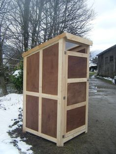 cabane toilettes seches 1er prix acheter pinterest toilette cabanes et plancher osb. Black Bedroom Furniture Sets. Home Design Ideas