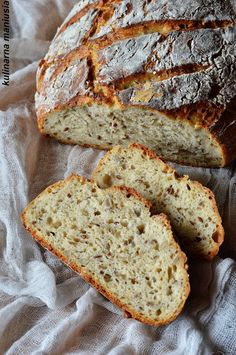 Chleb na kefirze pieczony w garnku Bread Recipes, Cake Recipes, Cooking Recipes, Healthy Recipes, Bread Rolls, Kefir, Bread Baking, Bon Appetit, Good Food