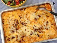 Köttfärslåda med potatis och grädde. En potatisgratäng med fräst köttfärs - sås, potatis och kött - allt i ett.