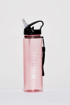 Drinking Water Bottle, Cute Water Bottles, Best Water Bottle, Water Bottle Design, Glass Water Bottle, Drink Bottles, Copo Starbucks, Bedroom Wall Designs, Blender Bottle
