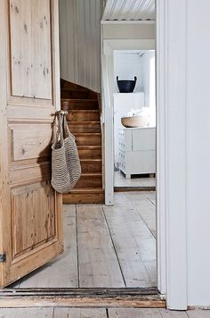 "natural wood + pale floor + beadboard (""my scandinavian home: A beautifully renovated Swedish farmhouse"") Swedish Farmhouse, Swedish House, Farmhouse Style, Swedish Style, White Farmhouse, Farmhouse Interior, Swedish Cottage, Vintage Farmhouse, Farmhouse Design"