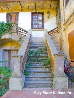 Napoli stairs